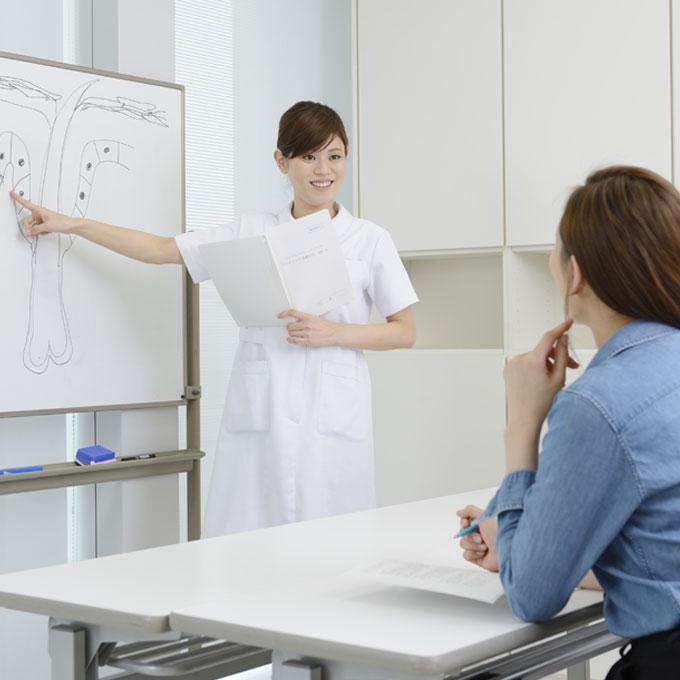 フェイシャル応用コース授業風景
